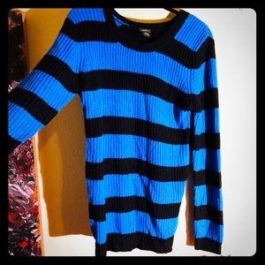 👛NEW👛EUC RUE 21 blue and black striped sweater